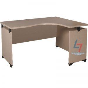 Bàn lượn NT L14 làm bằng gỗ công nghiệp có mặt bàn phủ Laminate. Mặt bàn hình chữ L, chống xước, chống thấm nước, nhẵn bóng. Bàn có yếm lửng trang trí.