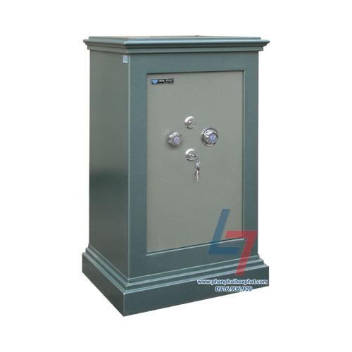 Két sắt an toàn KA 100 là dòng két đứng. Két có 1 cánh mở, 1 bộ khóa chìa, 1 bộ khóa mã, tay nắm tròn. Lòng két có 1 đợt cố định và ngăn phụ phía trên.