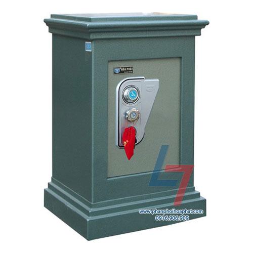 Két sắt an toàn KA 40 là dòng két đứng. Với mã khóa khách hàng sẽ sử dụng mã két mặc định được nhà máy cấp ngẫu nhiên cho mỗi sản phẩm két sắt.