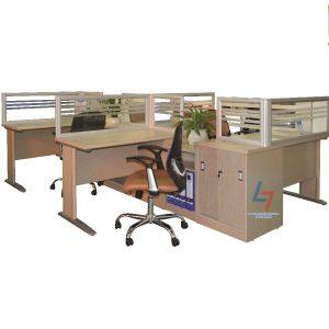 Modul làm việc NT MD01C3A  gỗ công nghiệp có mặt bàn phủ Laminate.Modul gồm 4 chỗ kèm tủ thấp để tài liệu. Có vách ngăn khung nhôm kính tinh tế trên mặt bàn.
